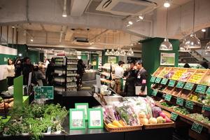 仏オーガニックスーパー「ビオセボン」が日本初上陸。フランス冷凍食品「ピカール」2号店も併設、麻布十番に複合出店