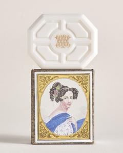 中性石鹸 4,300円、刻印代(片面のみ)600円(共に税別)