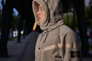 「ナイキラボ」×「ストーンアイランド」のナイキ ウインドランナー第3弾リリース