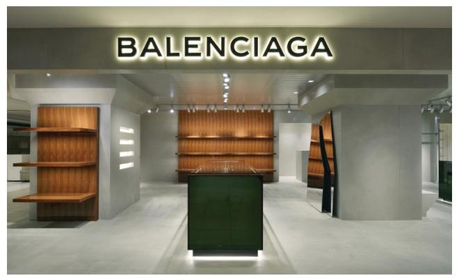 new concept 0e157 eb776 バレンシアガ、クリエイティブ・ビジョンを集約した関東初の ...