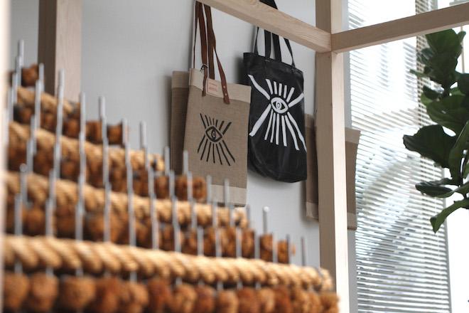 フリークス ストアの渋谷旗艦店がリニューアルオープン。LA発「アルケミーワークス」日本初上陸【インタビュー】