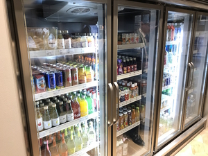 広めの冷蔵ショーケース
