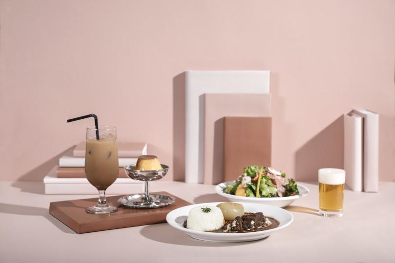 食事からデザートまで様々なメニューがそろう「喫茶室」