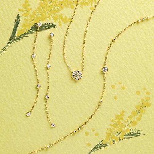 ピアス ¥50,000+税 (K18YG/ダイヤモンド) ネックレス ¥42,000+税(K18YG/ダイヤモンド) ブレスレット ¥33,000+税(K18YG/ダイヤモンド)