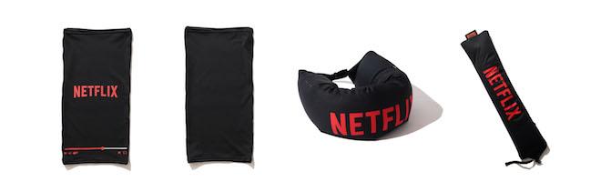 (左から1、2番目) Netflix × BEAMS NECK GATOR Color:BLACK Price:¥4,280(inc.tax) Size:ONE SIZE (左から3、4番目) Netflix × BEAMS NECK PILLOW Color:BLACK Price:¥6,600(inc.tax) Size:ONE SIZE